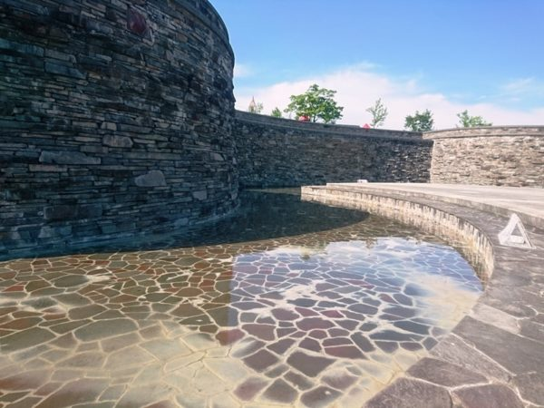 紫山公園|水遊び・壁泉
