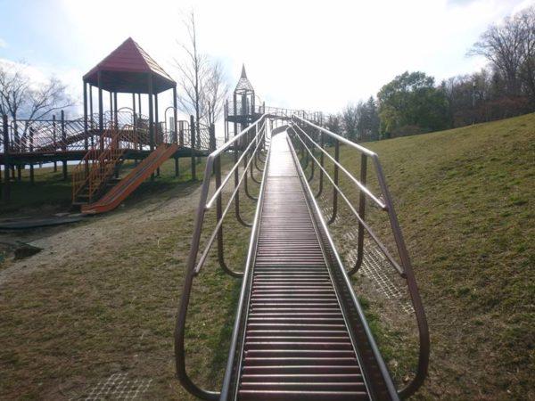 紫山公園|ローラーすべり台